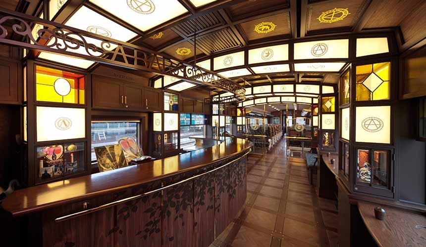 日本JR觀光列車坐A列車去吧車廂華麗設計