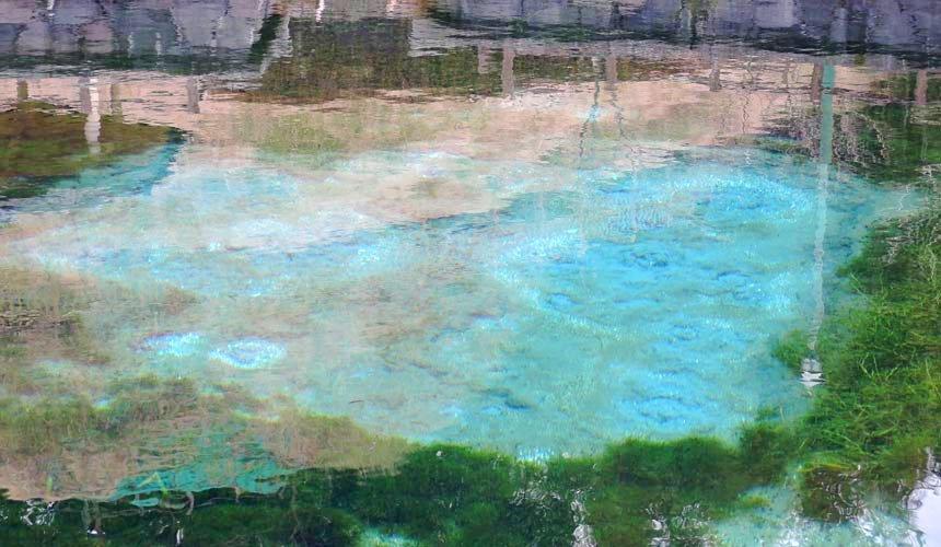 日本鹿兒島「丸池湧水」