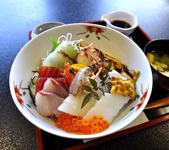 海鮮家福伸特上海鮮丼