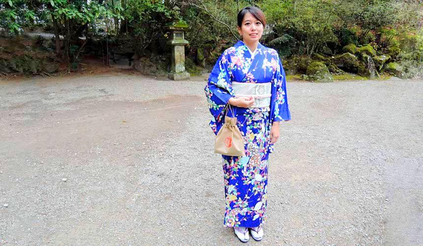 「樂吃購!日本」記者換上和服,在日本鹿兒島莊嚴神聖的「霧島神宮」