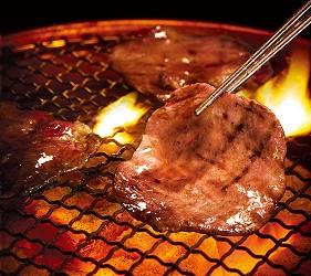 日本人氣燒肉店推薦「牛角」的牛舌圖片