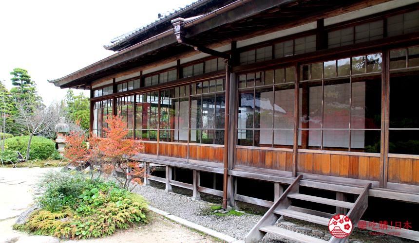山口县下关市赏樱红叶的日式庭园长府庭园