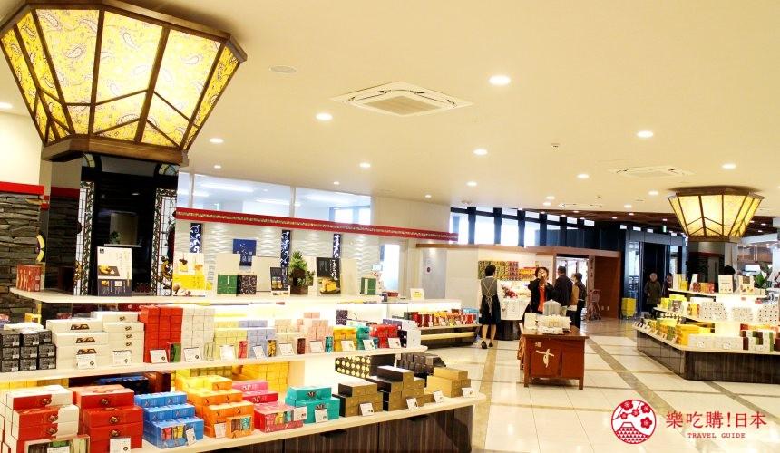 日本九州自由行推薦長崎島原、雲仙的愛野展望台附近的CASTELLA LAND的店內裝潢漂亮又優雅
