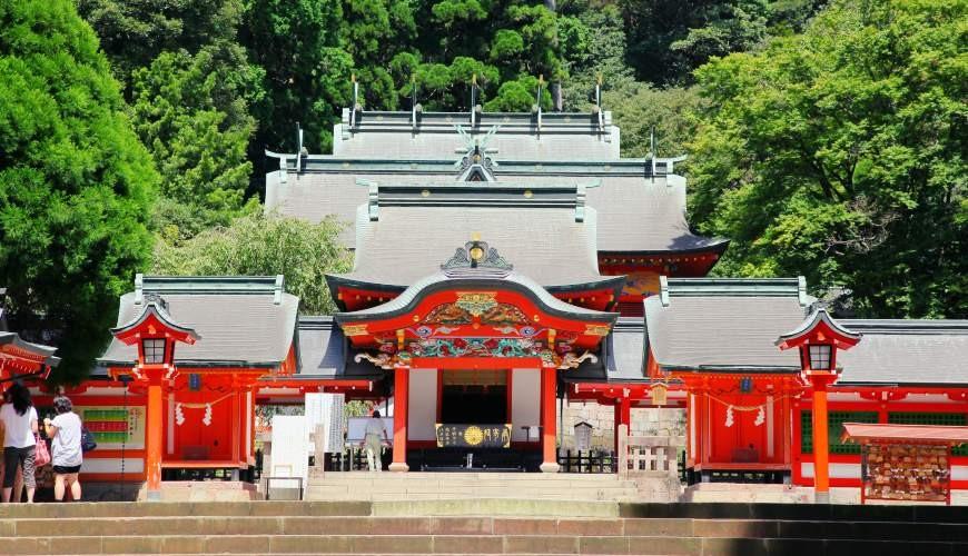 日本九州鹿兒島自由行行程安排看這篇!鹿兒島霧島市的霧島神宮正面照