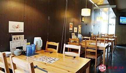 博多必吃的絕品牛腸鍋「もつ鍋二十四」,濃郁系味噌湯頭女性大推薦-桌子座位